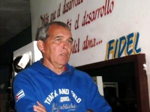 Nelson García Portela ha servido al Equipo Nacional de Atletismo cubano durante 30 años. (Lilian Cid Escalona / Cubahora)